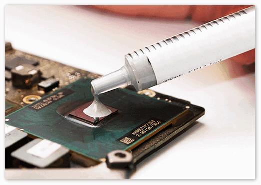 Нанесение термопасты на процессор
